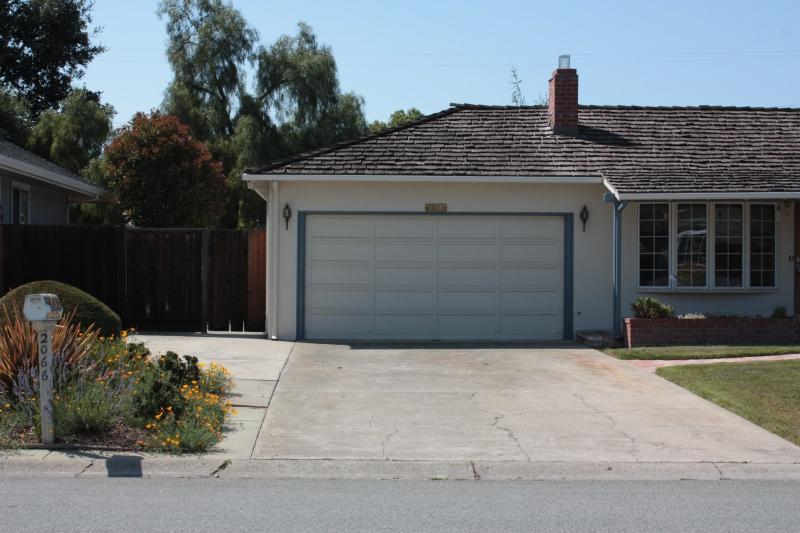 Apple garage