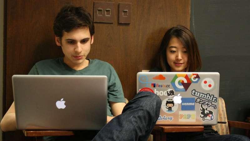 Những lý do vì sao nên hẹn hò với lập trình viên